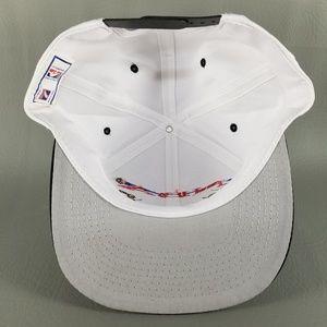 7b9a822e4ab Logo 7 Accessories - VTG NWT Logo 7 Chicago Bulls 97 World Champion Hat